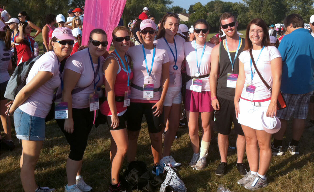 bath-fitter-team-at-women-cancer-walk